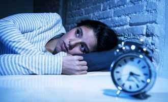 Как самостоятельно избавиться от бессонницы