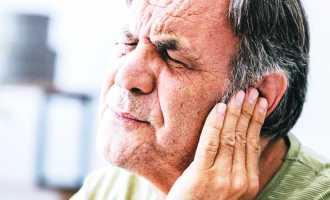 Какие болезни характеризуются давлением на уши