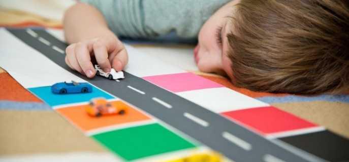 Признаки, симптомы, причины возникновения аутизма у детей