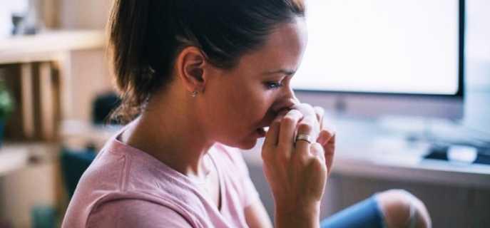 Простые способы быстро избавиться от головной боли с насморком