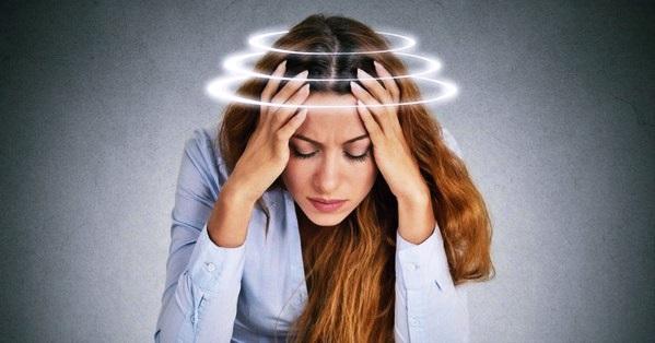 Почему сильно болит голова и глаза thumbnail